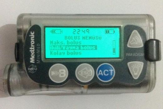 300 ünitelik rezervuarlı insülin pompası