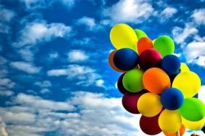 ucan-renkli-balonlar